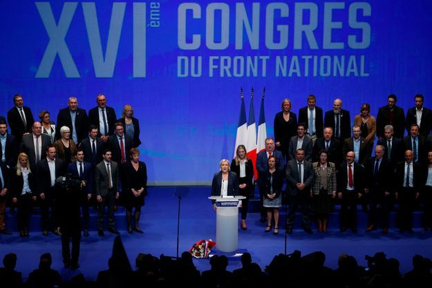 Marine Le Pen dimanche à la fin du congrès du Front national, à Lille.