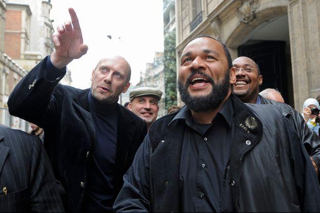 Alain Soral et Dieudonné en 2009, lors du dépôt des listes du parti antisioniste en vue des élections européennes de 2009.