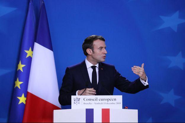 Emmanuel Macron à Bruxelles, vendredi.