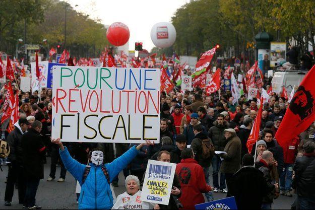 """La manifestation pour """"une révolution fiscale"""" organisée à l'appel du Front de Gauche le 1er décembre."""