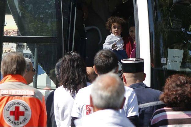 Des réfugiés accueillis jeudi à Cergy.