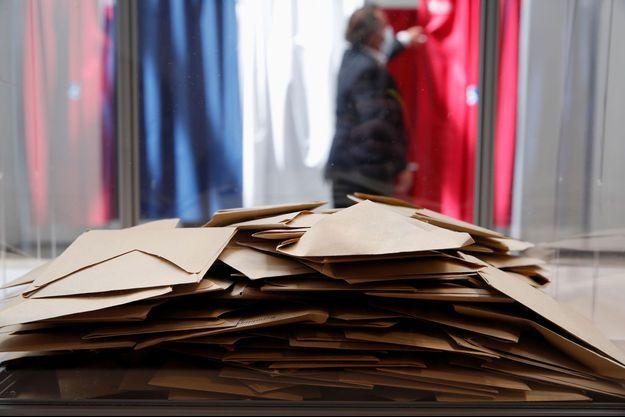 Un bureau de vote au Touquet.