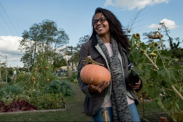 Le 9 octobre, en visite au Jardin de Cocagne, projet d'insertion sociale aux Mureaux (Yvelines).