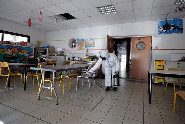 Une école désinfectée à Cannes.