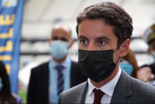 Gabriel Attal, ici samedi au centre de vaccination du stade Vélodrome.