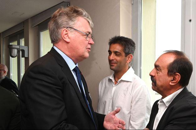 Jean-Paul Delevoye et le secrétaire général de la CGT Philippe Martinez.