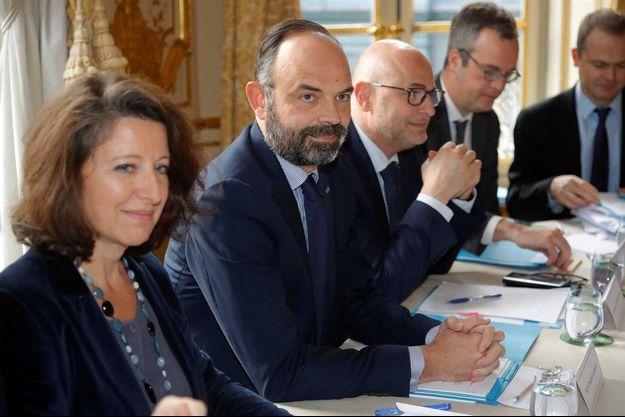 Edouard Philippe lors de la rencontre avec les syndicats à Matignon, vendredi.