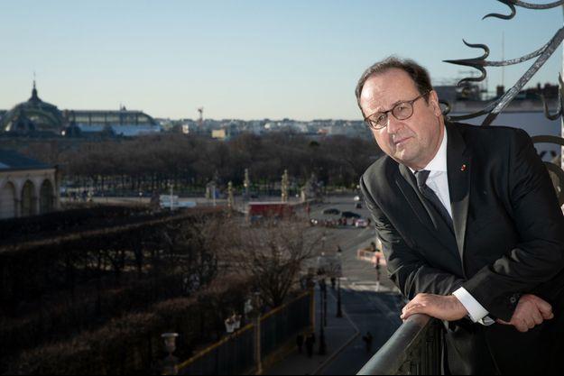 Fraçois Hollande, le 6 février lors d'une séance photo dans son bureau parisien.