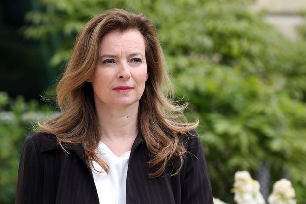 Valérie Trierweiler dans les jardins de l'Elysée, le 7 mai 2013.