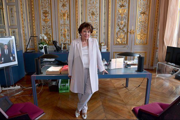 Roselyne Bachelot rue de Valois, le 14 mai. Le bureau dessiné par Pierre Paulin était celui de François Mitterrand à l'Élysée.