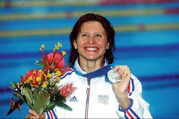 Championne du monde en 1998 sur 200 mètres dos, elle obtient l'argent aux JO de Sydney en 2000, son dernier podium avant de quitter la compétition.