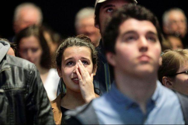 A l'université de Montréal, une étudiante pro-Mélenchon réagit à la publication des résultats, au soir du premier tour (23 avril 2017).