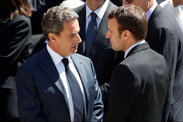 Nicolas Sarkozy et Emmanuel Macron, ici à Paris en juillet 2016 lors de l'hommage à Michel Rocard.