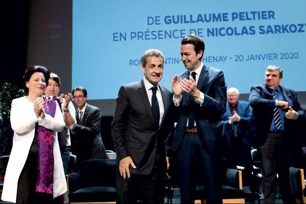 Le 20 janvier, Nicolas Sarkozy assiste, à Romorantin-Lanthenay, à la cérémonie des vœux organisée par le numéro deux de LR, Guillaume Peltier.