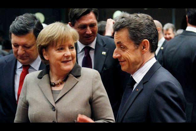 Entre Nicolas Sarkozy et Angela Merkel, le débat a été tendu. La chancelière allemande et la plupart de ses partenaires n'ont pas apprécié le « cavalier seul » du président français sur le dossier libyen.