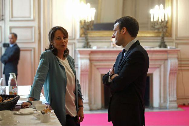 Ségolène Royal et Emmanuel Macron, ici au ministère de l'Ecologie en février 2016.