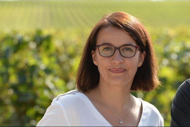 Cécile Duflot dans le vignoble de Saint-Emilion, près de Bordeaux, jeudi.