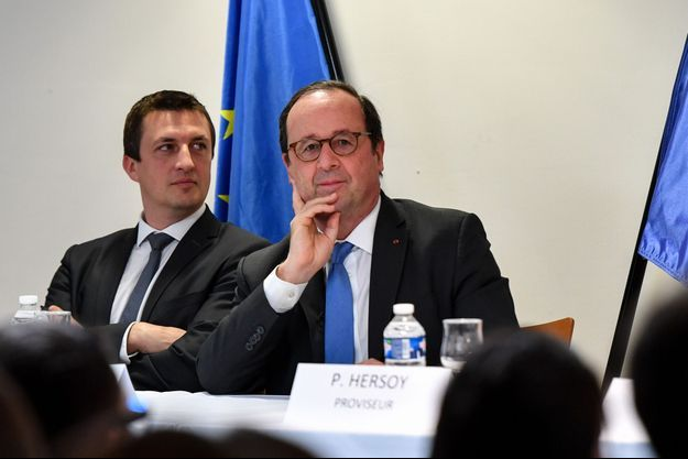 François Hollande lors de sa visite dans un lycée à Hénin-Beaumont.