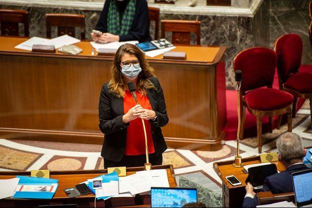 """La ministre à la Citoyenneté Marlène Schiappa défendant le projet de loi contre le """"séparatisme"""" à l'Assemblée nationale, le 10 février 2021."""