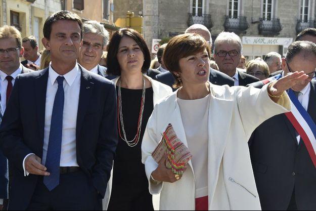 Manuel Valls, Sylvia Pinel et Carole Delga à Martres-Tolosane (Midi-Pyrénées), le 11 septembre 2015.