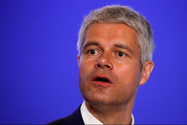"""Laurent Wauquiez a plaidé mercredi pour un """"service minimum"""" dans le transport ferroviaire, inscrit dans la Constitution."""