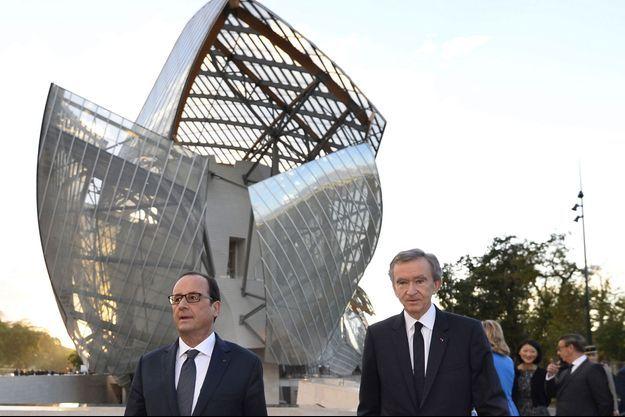 François Hollande et Bernard Arnault lors de l'inauguration de la fondation Louis Vuitton.