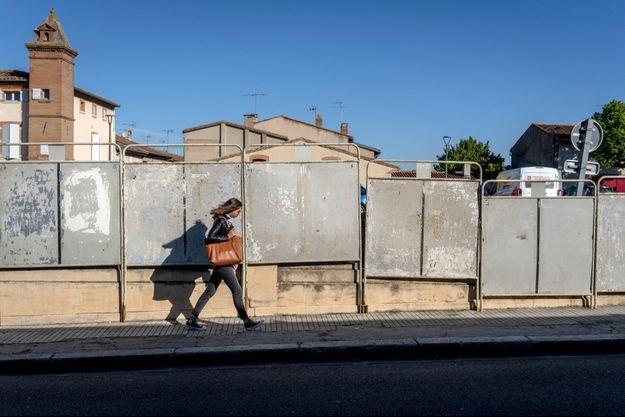 Panneaux électoraux à Villefranche-de-Lauragais, en Haute-Garonne, lundi.