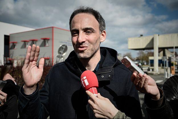 Raphaël Glucksmann à Creil, dans l'Oise, le 25 mars.