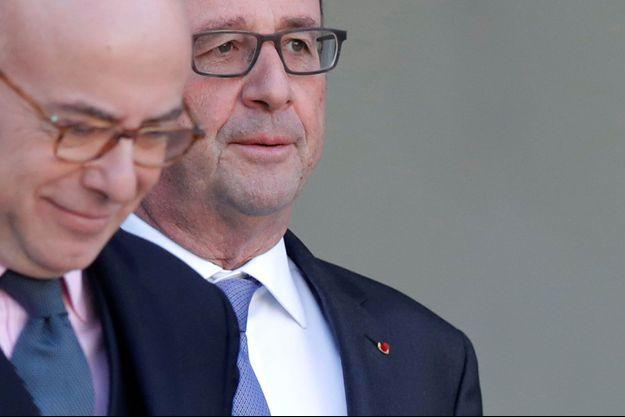 Bernard Cazeneuve et François Hollande le 7 décembre dernier.
