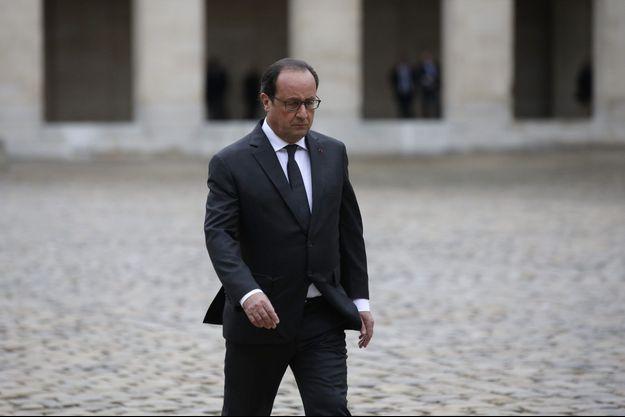 François Hollande dans la cour de l'hôtel des Invalides, jeudi dernier.