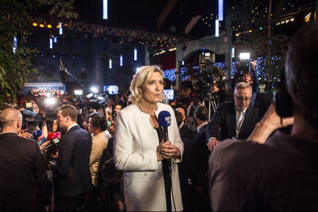 Marine Le Pen donne une interview à la télévision, dimanche 26 mai, après la victoire du Rassemblement national aux élections européennes.