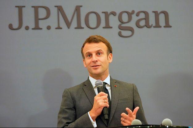 Emmanuel Macron inaugure les nouveaux locaux de la banque J.P. Morgan à Paris, mardi.