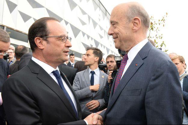 François Hollande et Alain Juppé en juin 2015, à Bordeaux.