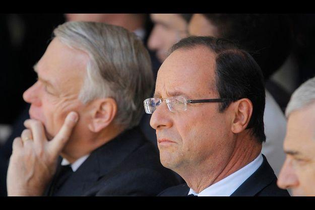 François Hollande et Jean-Marc Ayrault (à g.), le 22 juillet dernier, lors de la commémoration du 70e anniversaire de la rafle du Vel d'hiv'.