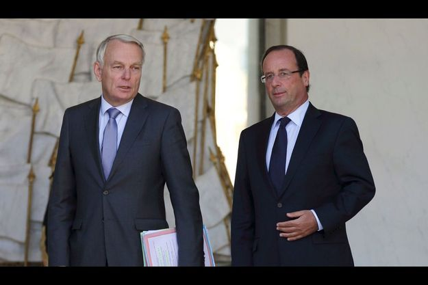 Jean-Marc Ayrault et François Hollande, le 19 septembre dernier sur le perron de l'Elysée.