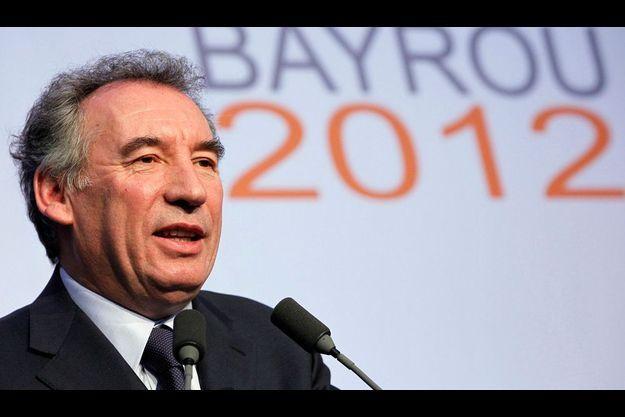 François Bayrou en meeting de début de campagne, samedi 10 décembre à Pau, dans les Pyrénées-Atlantique.