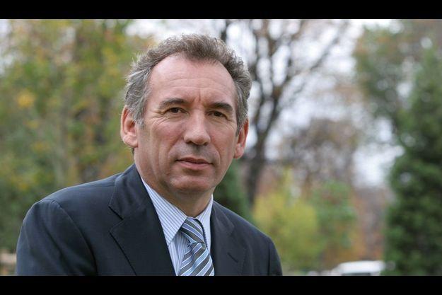 François Bayrou veut s'appuyer sur les élections européennes pour revenir sur le devant de la scène politique.