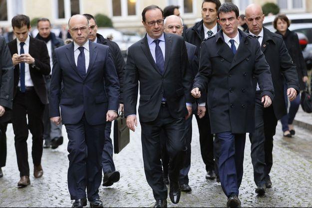 Bernard Cazeneuve, François Hollande et Manuel Valls le 9 janvier dernier.