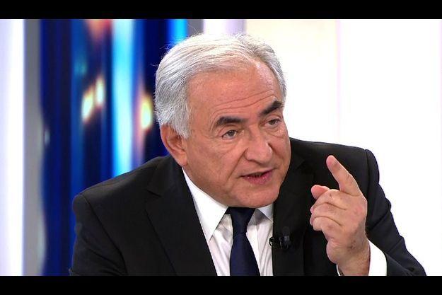 Dominique Strauss-Kahn devance nettement Nicolas Sarkozy et Marine Le Pen dans les intentions de vote.