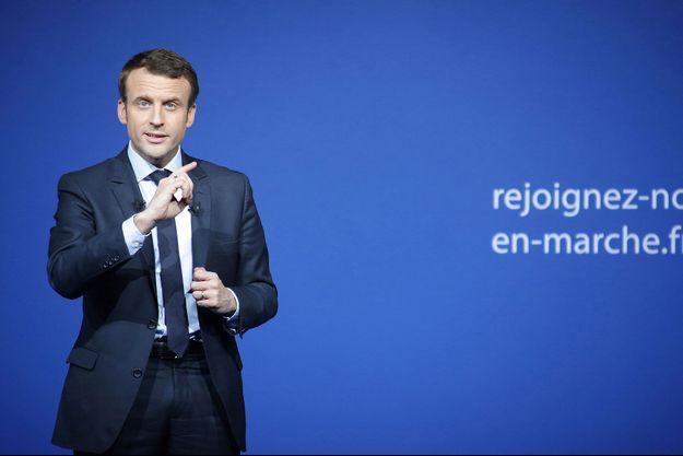 Emmanuel Macron à Saint-Priest-Taurion, samedi.