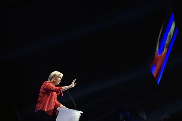 Marine Le Pen en meeting près de Châteauroux samedi.