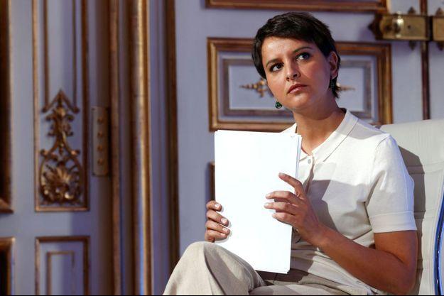 Najat Vallaud-Belkacem a «regretté» la «parole pour le moins légère et infondée» du pape François au sujet des manuels scolaires français.