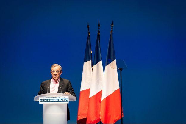 Thierry Mariani dimanche lors du lancement de campagne de Marine Le Pen à Paris.
