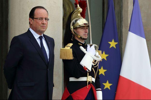 """Le palais de l'Elysée abrite-t-il un """"cabinet noir"""" contre Nicolas Sarkozy?"""