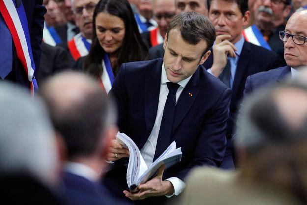 Emmanuel Macron mardi à Grand Bourgtheroulde, dans l'Eure, pour le lancement du grand débat national.
