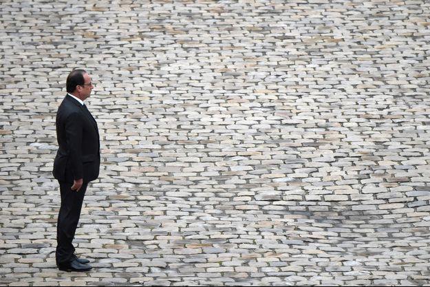 François Hollande aux Invalides le 19 novembre.