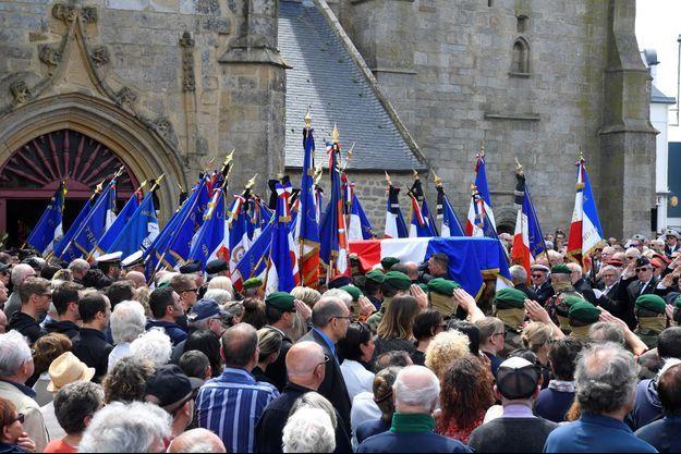 Les obsèques de Cédric de Pierrepont en l'église Notre-Dame de Larmor-Plage.