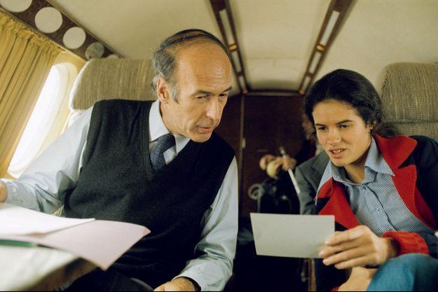 Le 29 avril 1974, six jours avant le premier tour, Valérie-Anne, future éditrice, accompagne son père dans le sud de la France, pour un meeting à Perpignan.