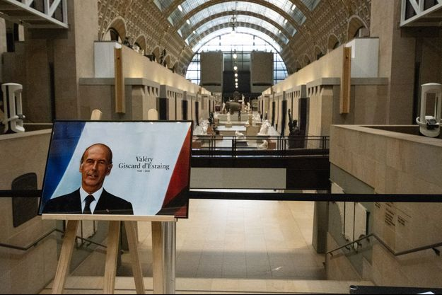 Hommage à Valery Giscard d'Estaing au Musée d'Orsay , le 4 décembre.