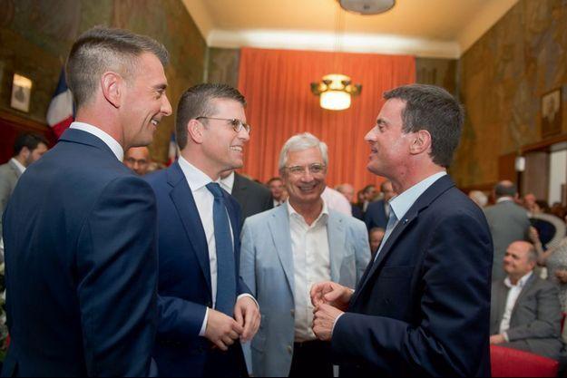 Manuel Valls bénit le mariage de l'un de ses plus fidèles alliés.